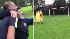 Diego Maradona anotó un golazo de tiro libre como en sus mejores tiempos