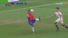 Video | Bogado intentó anotar gol de 'chalaca', pero jugada terminó en blooper