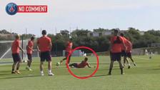 YouTube   Neymar la pasó mal en 'camotito' en el entrenamiento de PSG