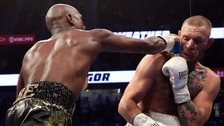 Mayweather le dio una paliza a McGregor: mira sus mejores golpes
