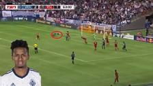 Yordy Reyna anotó un golazo de 'palomita' en la MLS
