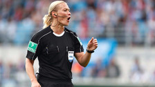 La historia de Bibiana Steinhaus, la primera árbitro mujer en la Bundesliga