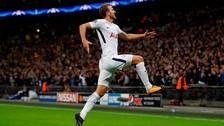 Harry Kane superó con potencia a dos rivales y anotó un golazo en la Champions