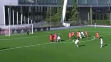Hijo de Zidane anotó golazo de tiro libre en las inferiores del Real Madrid
