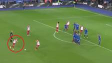 YouTube | Delantero del West Bromwich se lució con golazo de tiro libre