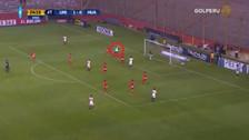 Alberto Quintero anotó un golazo de cabeza tras un gran centro de Siucho