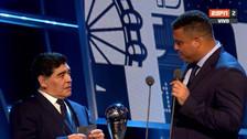 La emotiva charla de Maradona y Ronaldo en The Best