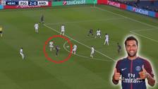 Dani Alves se lució con un 'taco del desprecio' en la Champions League