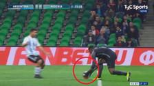 YouTube | El blooper del arquero nigeriano antes del gol de tiro libre de Argentina