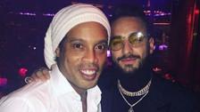 El encuentro entre Ronaldinho y Maluma en Las Vegas