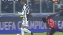 Champions League: Douglas Costa dejó en el piso a Umtiti con gran acción