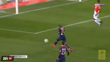 Mbappé falló un gol tras una gran jugada de Neymar