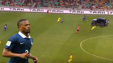 YouTube   Periodistas franceses se burlaron de Patrice Evra con este video