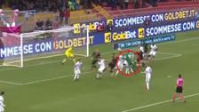 Arquero del Benevento anotó un golazo de cabeza al Milan en el último minuto