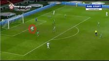 El gran blooper del delantero del Zenit al fallar un gol al frente del arco
