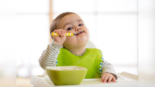 ¿Es recomendable darle suplemento de hierro a nuestro pequeño hijo? Descubre sus beneficios
