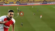 Radamel Falcao anotó un golazo desde la mediacancha en la Copa de Francia