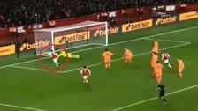 Video | Así definió Mesut Özil en el empate del Arsenal