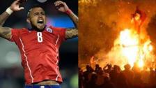 Muñeco de Arturo Vidal viendo el Mundial por televisión fue quemado por año nuevo