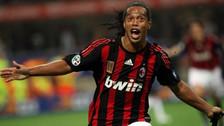 Ronaldinho recordó un golazo de tiro libre que anotó con el AC Milan