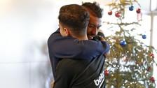 Así fue el emotivo recibimiento de los jugadores de Barcelona a Coutinho