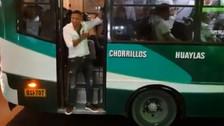 Jonathan Maicelo se lució como cobrador de bus en Chorrillos