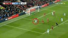 Amague y zurdazo: el golazo de Leroy Sané ante el Liverpool