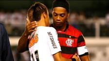 El día que Ronaldinho 'escueleó' a Neymar en un partidazo en el Brasileirao