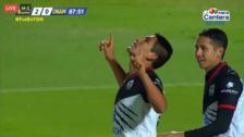 Irven Ávila anotó su primer gol en Lobos Buap tras dejar en el suelo al portero