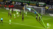 YouTube | Golazo de tiro libre en la Bundesliga con efecto a lo Roberto Carlos