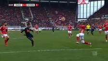 La paró de pecho y volea: James Rodríguez anotó un golazo con el Bayern Munich