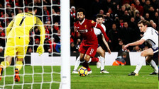 A lo Messi: Mohamed Salah superó a tres defensas y anotó un golazo