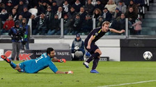 Dejó en el piso a Buffon: el golazo de Harry Kane a la Juventus