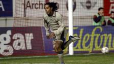 Ronaldinho recordó legendaria chalaca que hizo con el Barcelona
