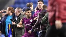 Sergio Agüero se agarró a golpes con hincha del Wigan