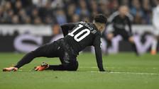 Jugador francés publicó foto que muestra a Neymar de rodillas