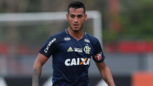 ¿Adiós Flamengo? Club brasileño va por el fichaje de Miguel Trauco
