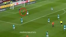 Video | El pase quirúrgico de Iniesta que terminó en gol de España