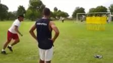 Pedro Troglio se lució con golazo de tiro libre durante entrenamiento