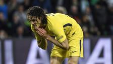 ¿La peor falla de la temporada? Edinson Cavani hizo esto ante Saint Etienne