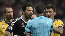 En su adiós de la Champions: Buffon enloqueció y se fue expulsado