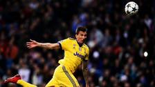 Mandzukic anotó el segundo gol para que la Juventus sueñe con la remontada