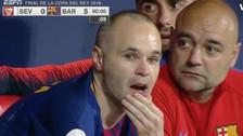 ¿Adiós al Barcelona? Histórica ovación a Iniesta que acabó llorando