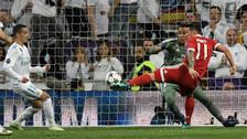 Estaba solo: James Rodríguez falló gol debajo del arco del Real Madrid