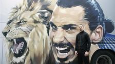 Zlatan Ibrahimovic estrenó bus con alucinante dibujo de león