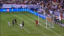 Yordy Reyna anotó de cabeza su primer gol de la temporada