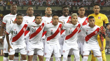 Jugadores de la Selección Peruana se lucieron en la piscina de la concentración