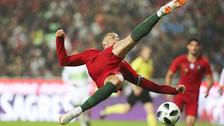 Cristiano Ronaldo y su blooper: intentó una volea, pero el balón salió desviado