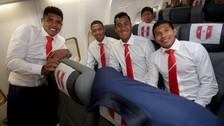 Jugadores de la Selección Peruana mostraron su buen ánimo en el avión