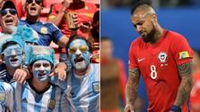 Hinchas argentinos se burlaron de la ausencia de Chile en el Mundial